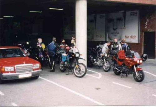 1999-001