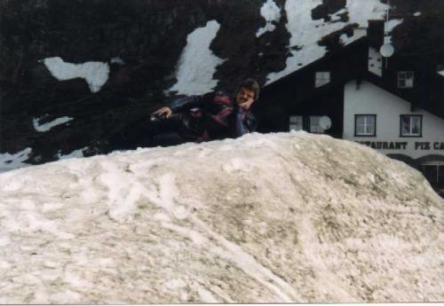 1999-008