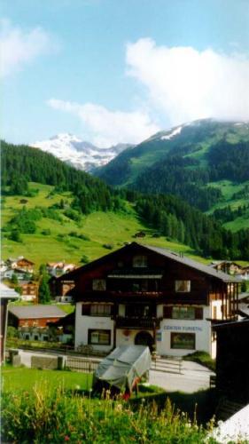 1999-010