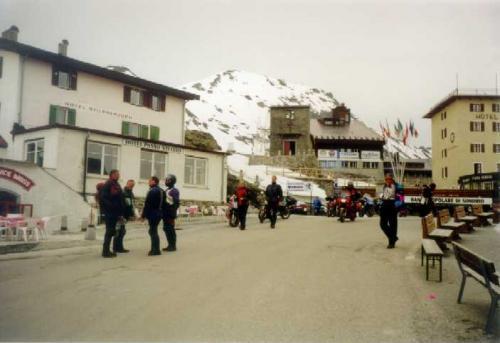 1999-075